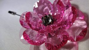 Lapel Crystal flower pin red top close