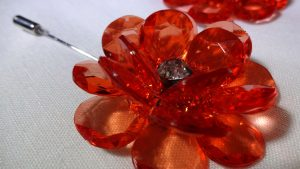 Lapel Crystal flower pin red