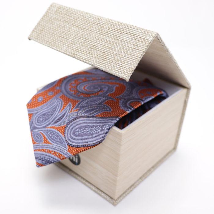 Silk Paisley neck tie C106Dbox
